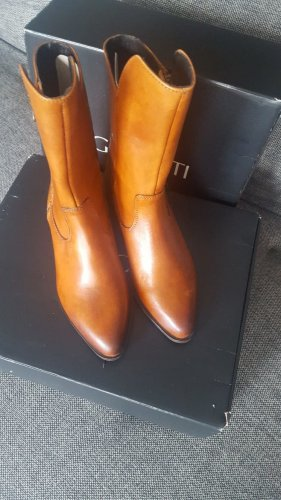 Western Booties cognac-coloured leather