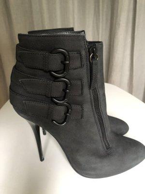 Giuseppe Zanotti Damen Stiefelette schwarz Größe 40