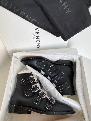 Givenchy Ankle Boots Kalbsleder Leder Glattleder Schwarz mit Nieten Biker Schuhe NEU mit Etikett und Box