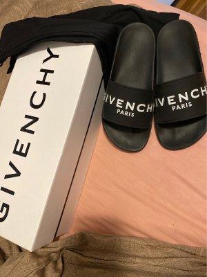 Givenchy Badeschlappen