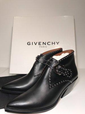 Givenchy Cowboy Studded Ankle Boots, neu, Größe 39