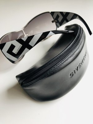 Givenchy Oval Sunglasses black-white