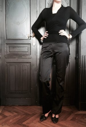 Glänzende Anzughose