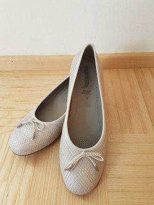 glänzende Ballerinas