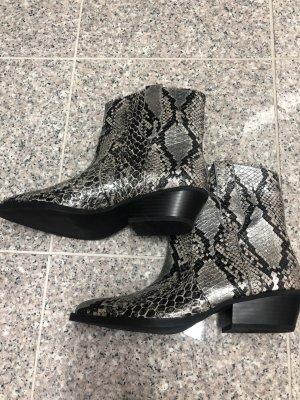 Bershka Buty w stylu western czarny-srebrny