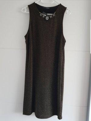 Glänzendes Kleid