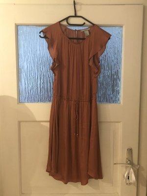Glänzendes Kupferfarbenes Kleid