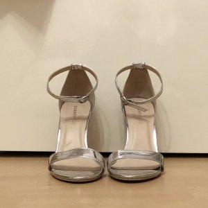 Glamorous - Minimalistische Absatzsandale in gespiegelter Silberoptik
