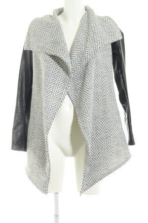 Glamorous Strickjacke schwarz-weiß Zackenmuster Casual-Look