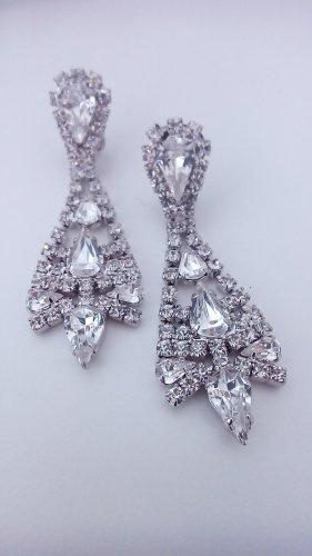 Glamouröse Ohrhänger mit Strasskristallen