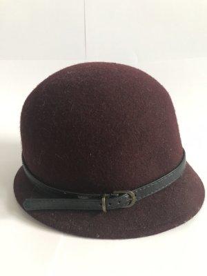 Sombrero acampanado burdeos