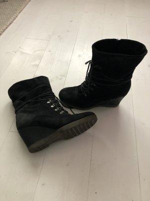 Görtz Shoes Bottine à talon compensé noir