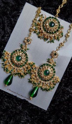 gold/grüner indischer Ohrring + Tikka