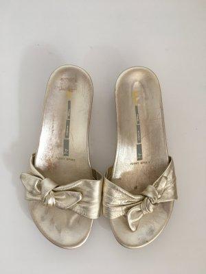 Gold Leder matt glänzend Schleife 37 Schuhe  kitten heel flach Slipon Sandale Sommer bequem