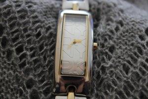 Gold-silberne DKNY Uhr