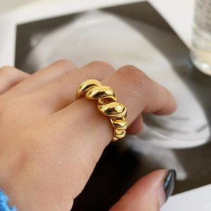 Gold Splitter Farbe Metall Brot Croissant Geometrische Falten Twist Öffnen Ringe