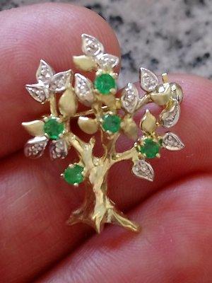 Goldbrosche und Anhänger mit Smaragd und Diamanten 585