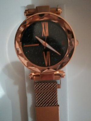 Watch With Metal Strap gold-colored-black