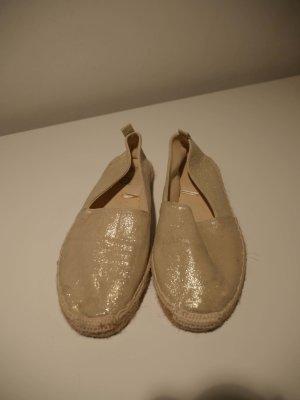 Goldene Ballerinas