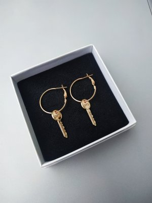 Tosh Ear Hoops gold-colored