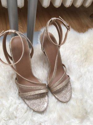 Goldene high heels