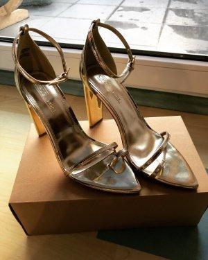 Goldene high heels ✨
