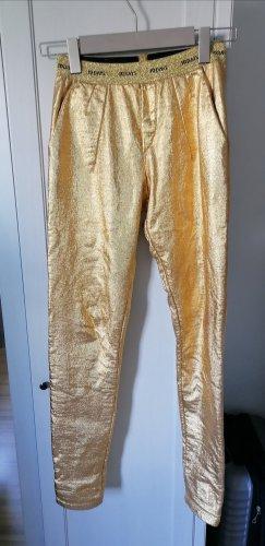 Goldene Hose von 10 Days