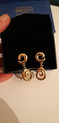 Goldene Ohrhänge