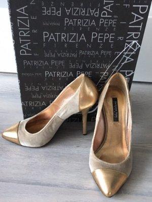 Goldene Pumps von Patrizia Pepe