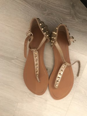 Outdoor sandalen goud