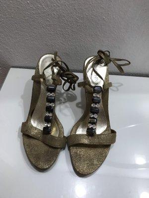 Goldene Sling-Pumps
