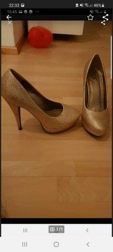 Goldenen High Heels