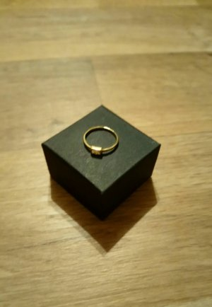 Goldener Ring Badge Oh Bracelet Berlin