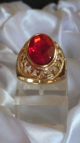 Goldener Ring mit rotem Stein filigran Gr.19,8