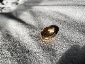 Goldener Ring von Daniel Wellington