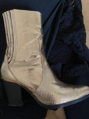 goldener Stiefel im Cowboy Style, supercool absolut perfekt für den besonderen Auftritt !