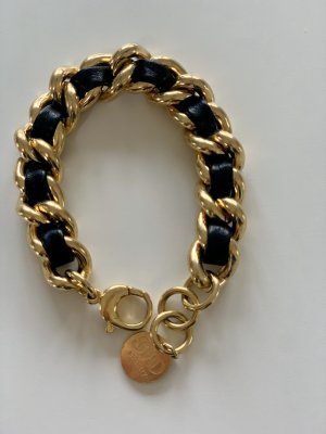Goldenes Armband in Chanel Style