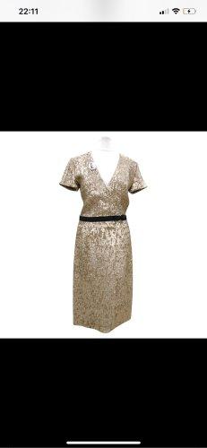 Goldenes Burberry London Kleid