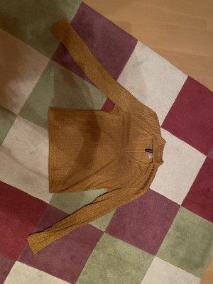 Goldenes Cut-Out Shirt