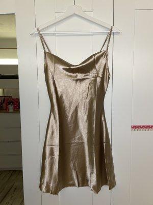 goldenes Satin Kleid