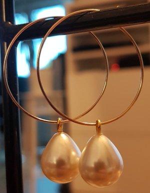 Goldfarbende Kreolen mit weißer Perle (Selbstgemacht)