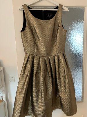 goldfarbenenes Kleid