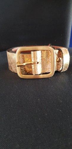 Goldfarbener neuer Ledergürtel in Größe 85