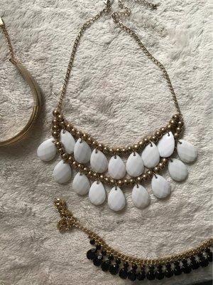 Goldfarbige/weiße Halskette