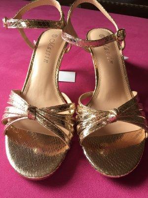 Goldige Heels