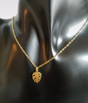 Goldkette mit kleinem 18k Gold Monstera-Blatt-Anhänger (Handgemacht)