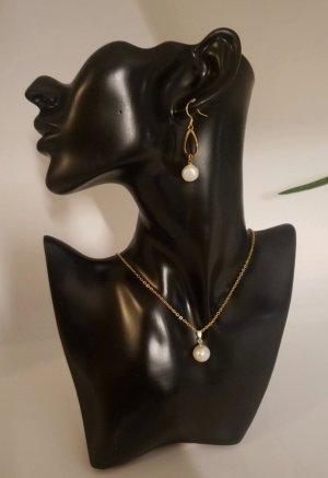 Goldkette mit runder, weißen Perle