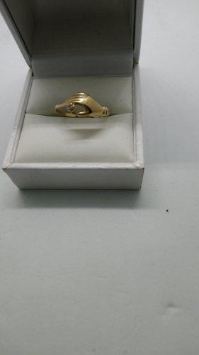 Goldring mit Stein