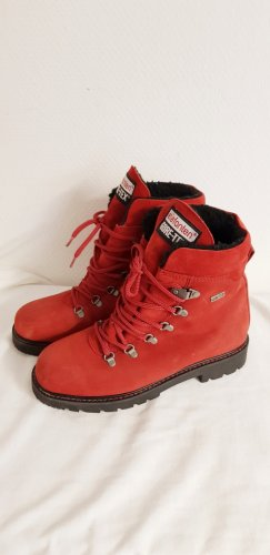 Gore Tex Ankle Boots carmine