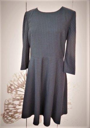 Gr. 40/42 Hallhuber Kleid dunkelblau (fast schwarz) mit Nadelstreifen sehr guter Zustand